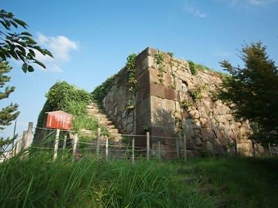 Komatsu Castle Stone Wall